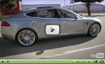Das Elektroauto Tesla Model S auf der Strasse