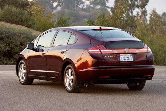 Brennstoffzellenfahrzeug Honda FCX Clarity von der Seite / Hinten