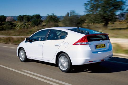 Hybrid-Fahrzeug Honda Insight von der Seite / Hinten