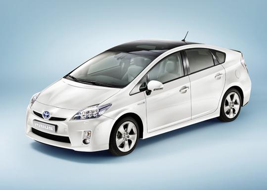 Toyota Prius - Dritte Generation Front-Seitenansicht