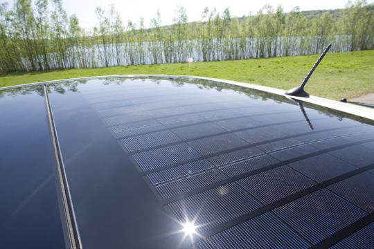 Optionales Solar-Schiebedach beim Toyota Prius