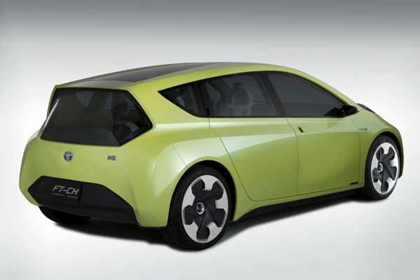 Kompaktes Hybridfahrzeug Toyota FT-CH
