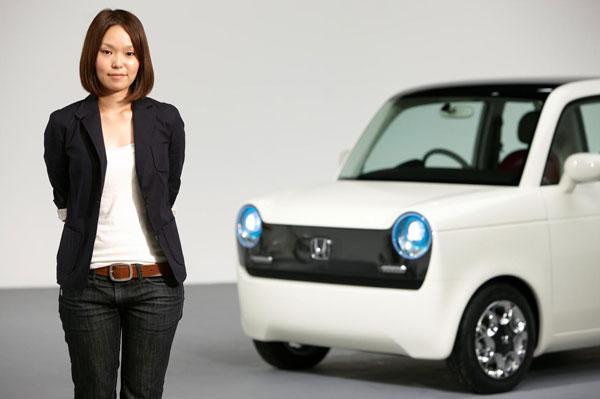Honda EV-N Concept mit Designerin Sumiyoshi