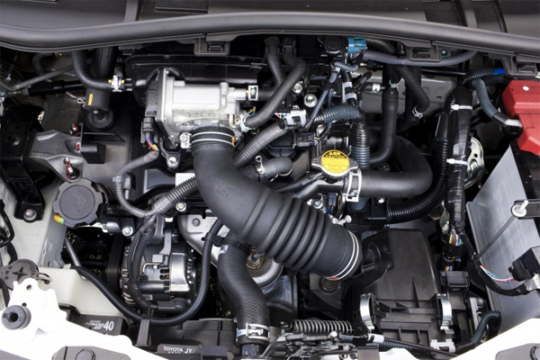 1,0-Liter VVT-i Benzinmotor im Toyota iQ