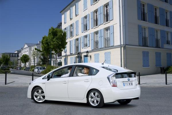 Toyota Prius Nr. 1 bei Kundenzufriedenheit in der Mittelklasse in 2010