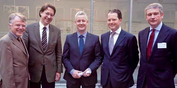 Nachhaltigkeits-Initiative stellt Ziele in Brüssel vor. V.l.n.r.: Dr. Gerhard Prätorius, Dr. Stefan Birkner, Matthias Groote, Dr. Florian Kühnle, Michael Kieckbusch