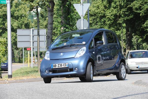 Peugeot iOn gewinnt den ÖkoGlobe