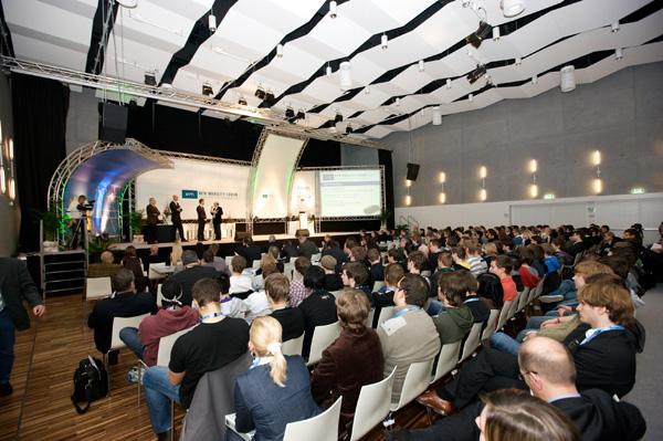 Rege Teilnahme beim New Mobility Forum 2010