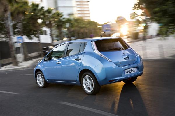 Nissan LEAF ist Auto des Jahres 2011