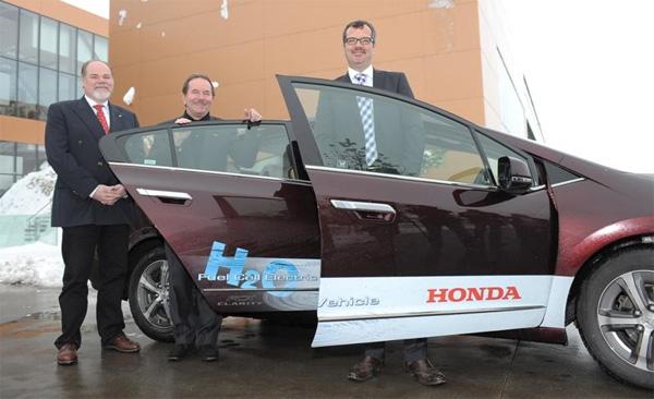 Honda FCX Clarity wurde am Fronius Standort Sattledt präsentiert