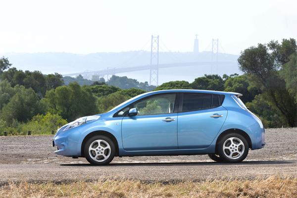 Nissan LEAF Auto