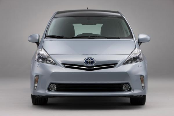 Toyota Prius v - Neuer Van mit Hybridantrieb