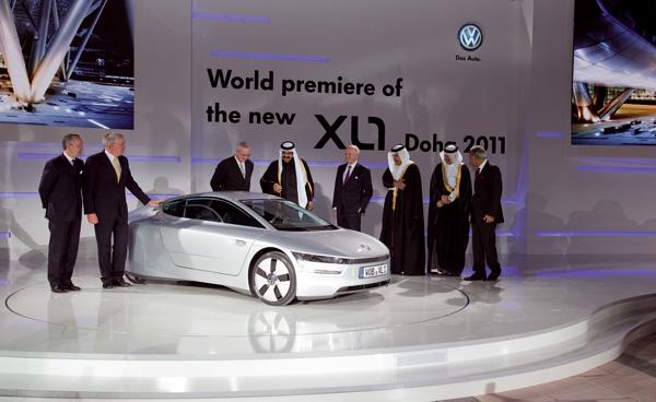 Qatar Motor Show 2011, Weltpremiere des neuen XL1 auf der Vorabendveranstaltung am 25.01.2011