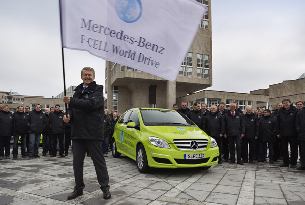 Mercedes-Benz F-CELL World Drive Start beim Start