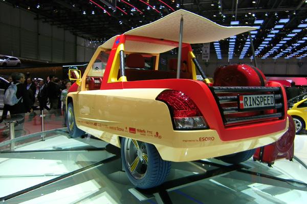 Autosalon 2011 - Rinspeed Bamboo Elektroauto