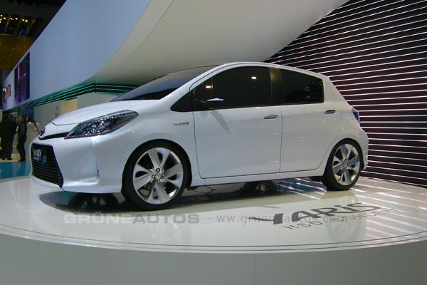 Autosalon Genf 2011 - Toyota Yaris Hybrid