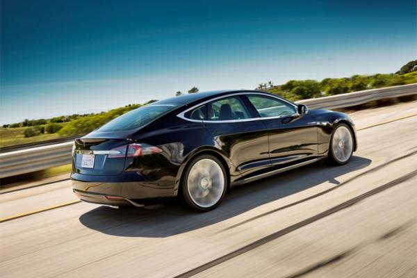 Elektroauto Tesla Model S Alpha