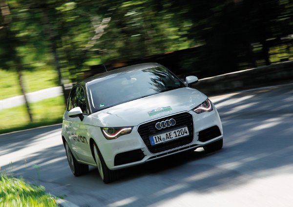Audi A1 e-tron holt Gesamtsieg bei der 2. Silvretta E-Auto Rallye