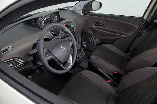Lancia Ypsilon Innenraum