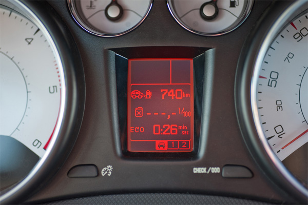 Peugeot 308 e-HDi FAP 110 EGS6 - Eco-Display