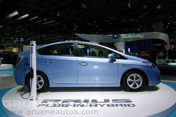 IAA 2011 - Serienversion des Toyota Prius Plug-In-Hybrid