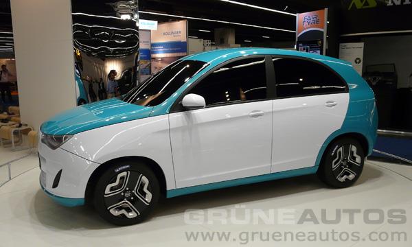 IAA 2011 - Yo-Auto e-Crossover
