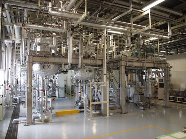 Versuchsanlage zur Herstellung von Biokraftstoff aus Zellulose-Ethanol