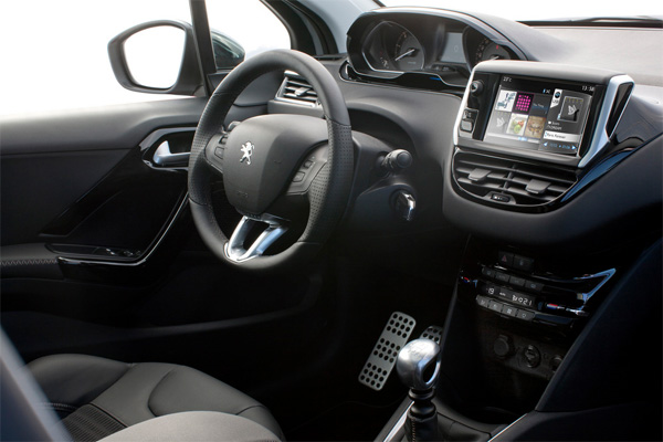 Peugeot 208 Cockpit mit Touchscreen