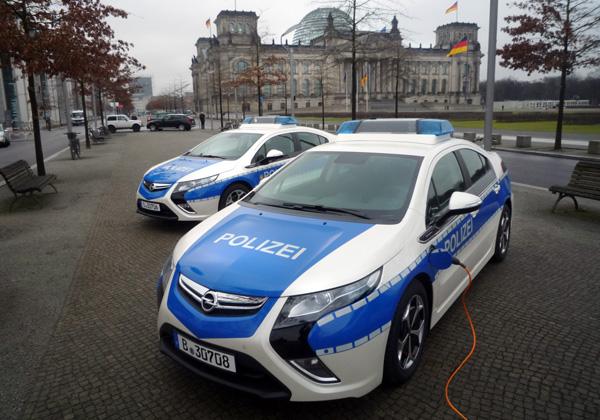 Opel Ampera - Polizeiautos