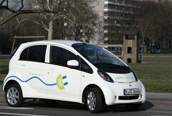Elektroauto i-MiEV von cambio in Köln