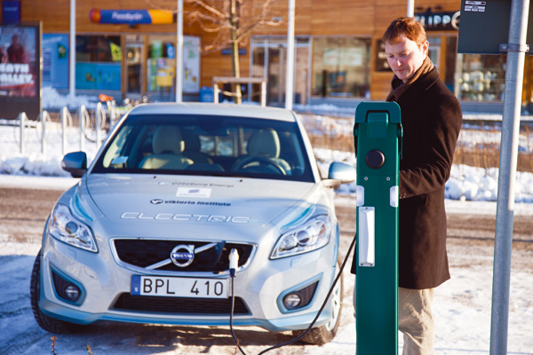Volvo C30 Electric an der Ladestation