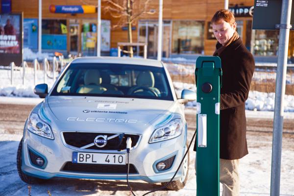 Volvo C30 Electric an der Ladestation
