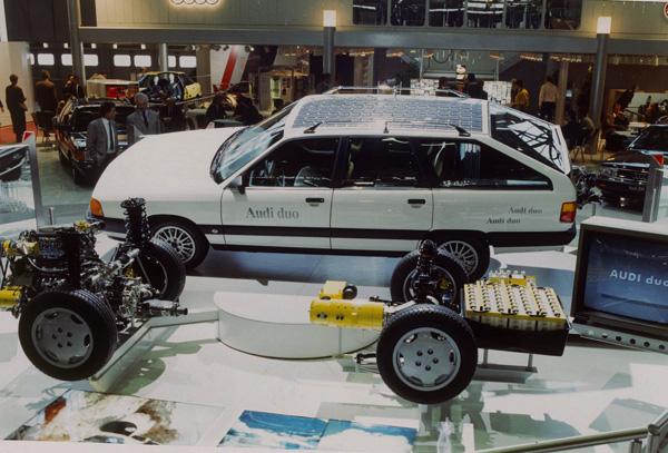Ein Vorzeigemodell der neuen Hybridtechnologie: der Audi 100 Avant Duo kam 1990 auf den Markt.