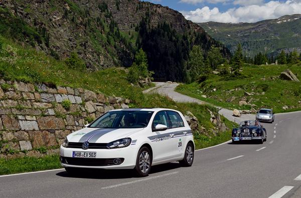 VW Golf blue-e-motion bei der Silvretta E-Auto Rallye