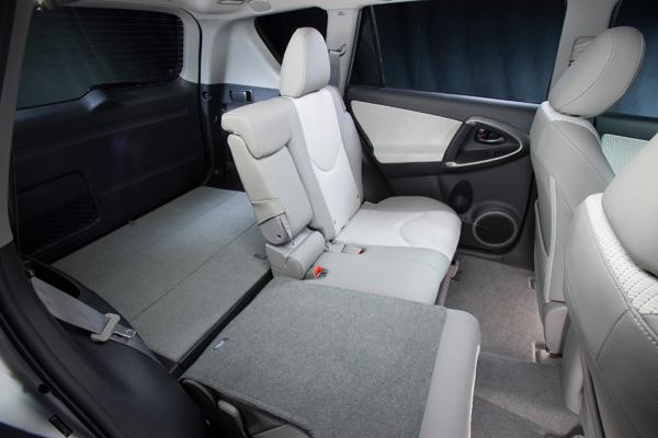 Toyota RAV4 EV - Innenraum