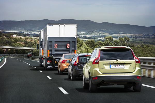 Kolonnenfahren - Volvo Autos im Praxistest