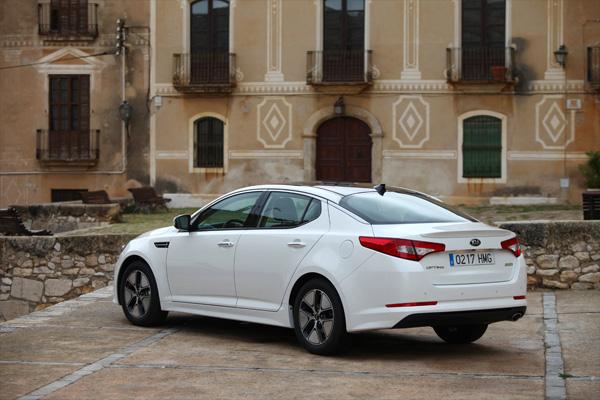 Kia Optima Hybrid 2.0