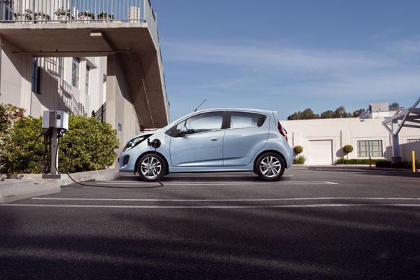 Spark EV - Aufladen den der Ladestation