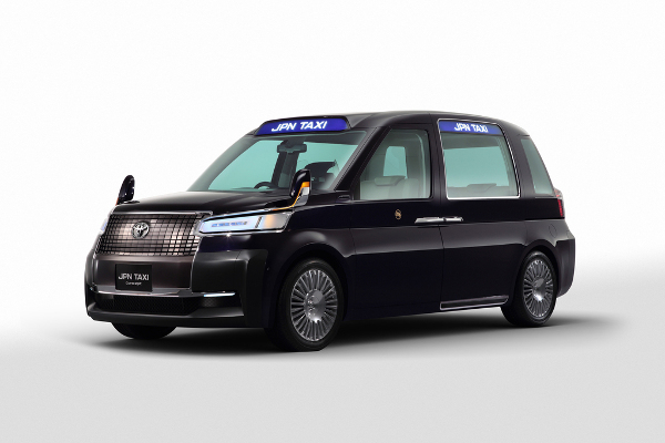 JPN Taxi mit Autogas-Hybridantrieb