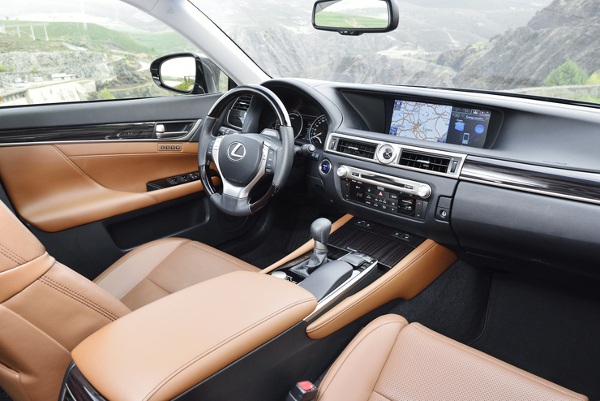 Lexus GS 300h - Innenausstattung