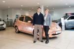 Nissan LEAF - Geschmückt mit 100.000 Münzen