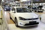 Erstes Serienmodell des VW e-Golf