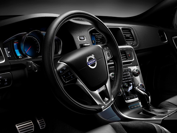 Volvo V60 Plug-in Hybrid R-Design - Cockpit