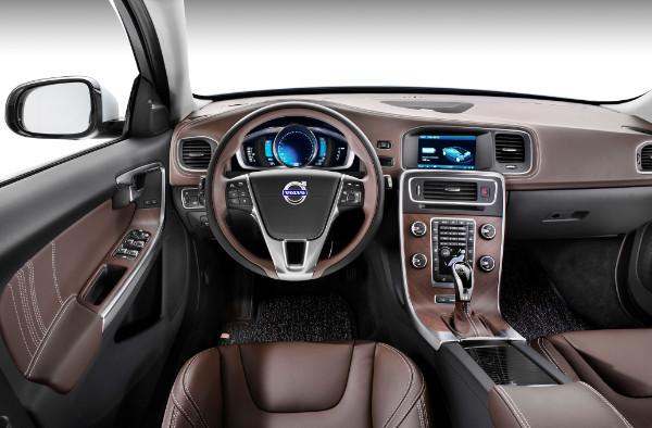 Volvo S60L PPHEV Innenraum