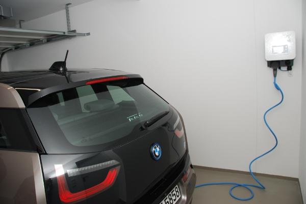 Elektroauto mit Solarstrom laden