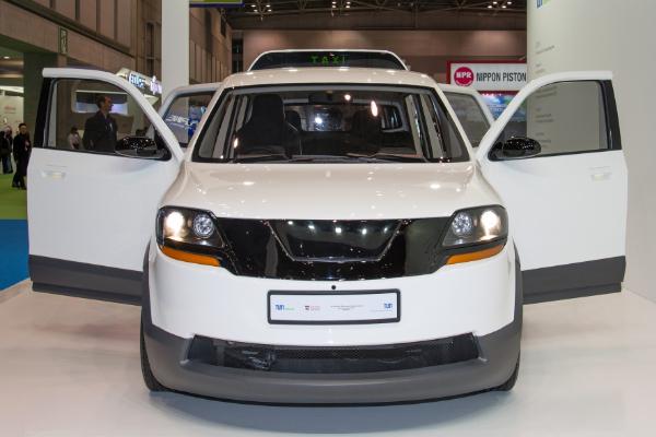 Elektrotaxi EVA auf der Tokyo Motor Show