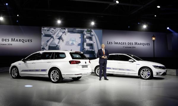 VW Passat GTE - Limousine und Variant auf dem Autosalon Paris