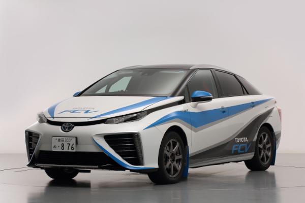 Toyota FCV als Safety Car