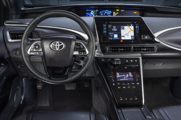 Toyota Mirai - Cockpit