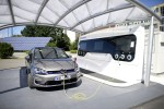 VW Golf GTE an der Ladestation